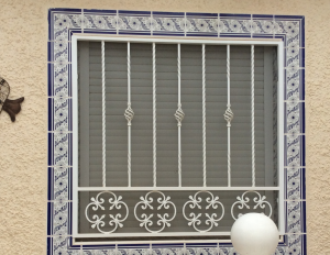 Metal Single window nr 11 home security in Murcia by Eriks Metal Work