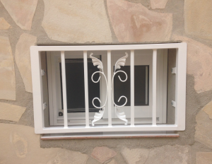 Metal Single window nr 14 home security in Murcia by Eriks Metal Work